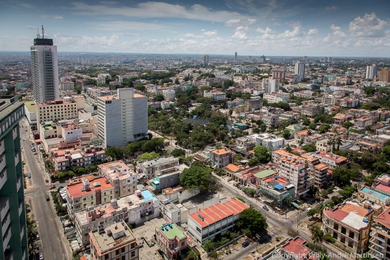 Habana Hilton ble høytidelig åpnet i 1958. Bygget ruver fortsatt i enden av La Rampa.