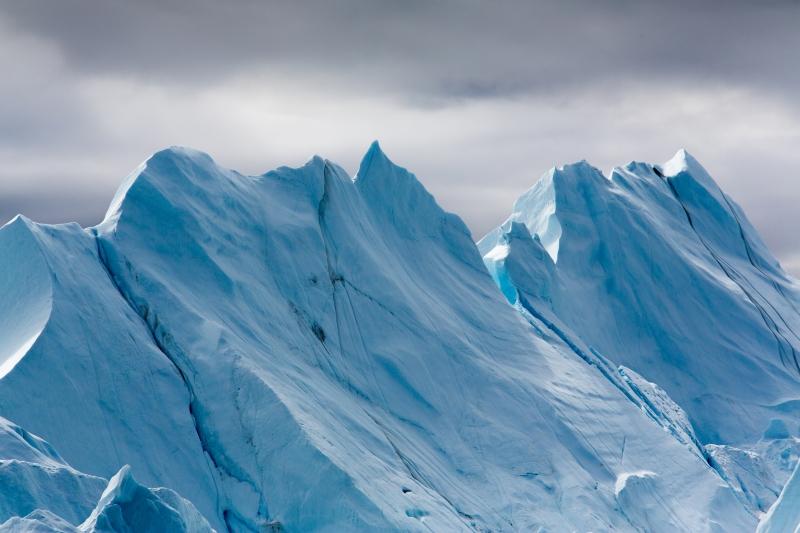Blå isfjell